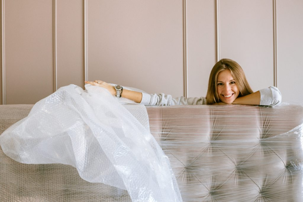 Moving in without damaging your new home banner