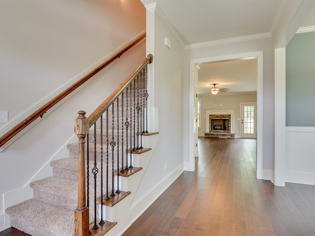 An image of the staircase of a home in the Retreat.