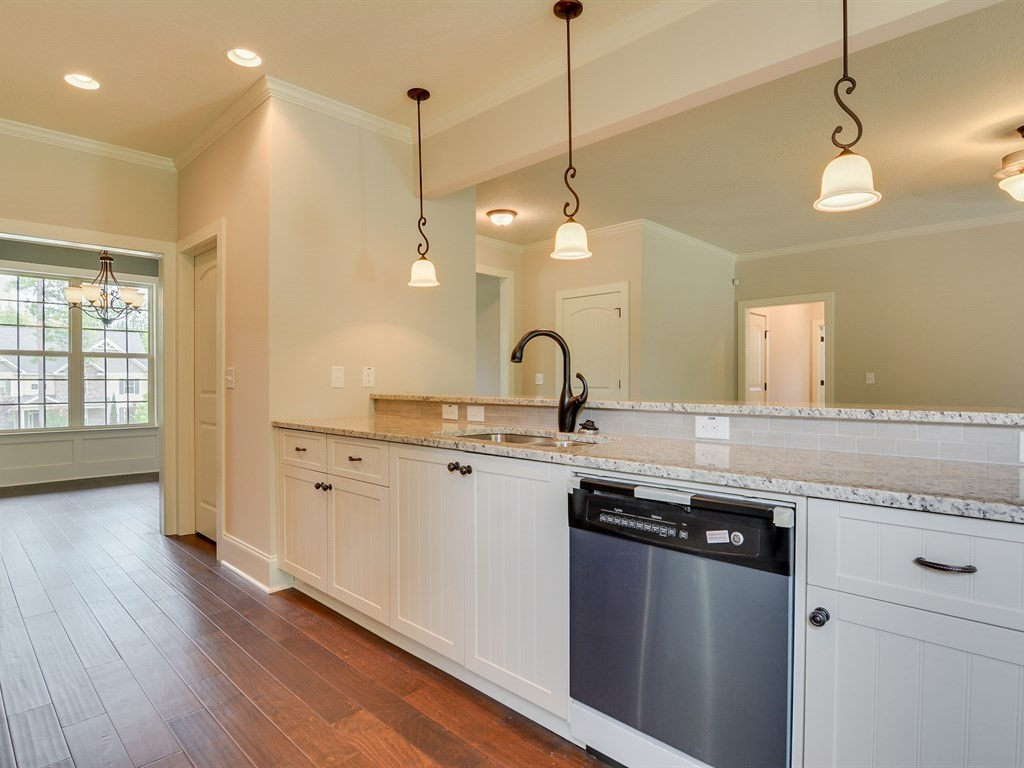 An image of the kitchen of a home in the Retreat.