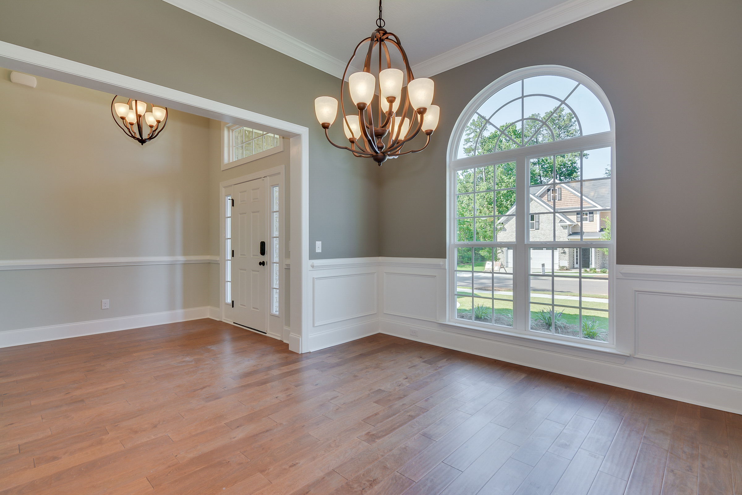 An image of the dining room in Bergen place West Home.
