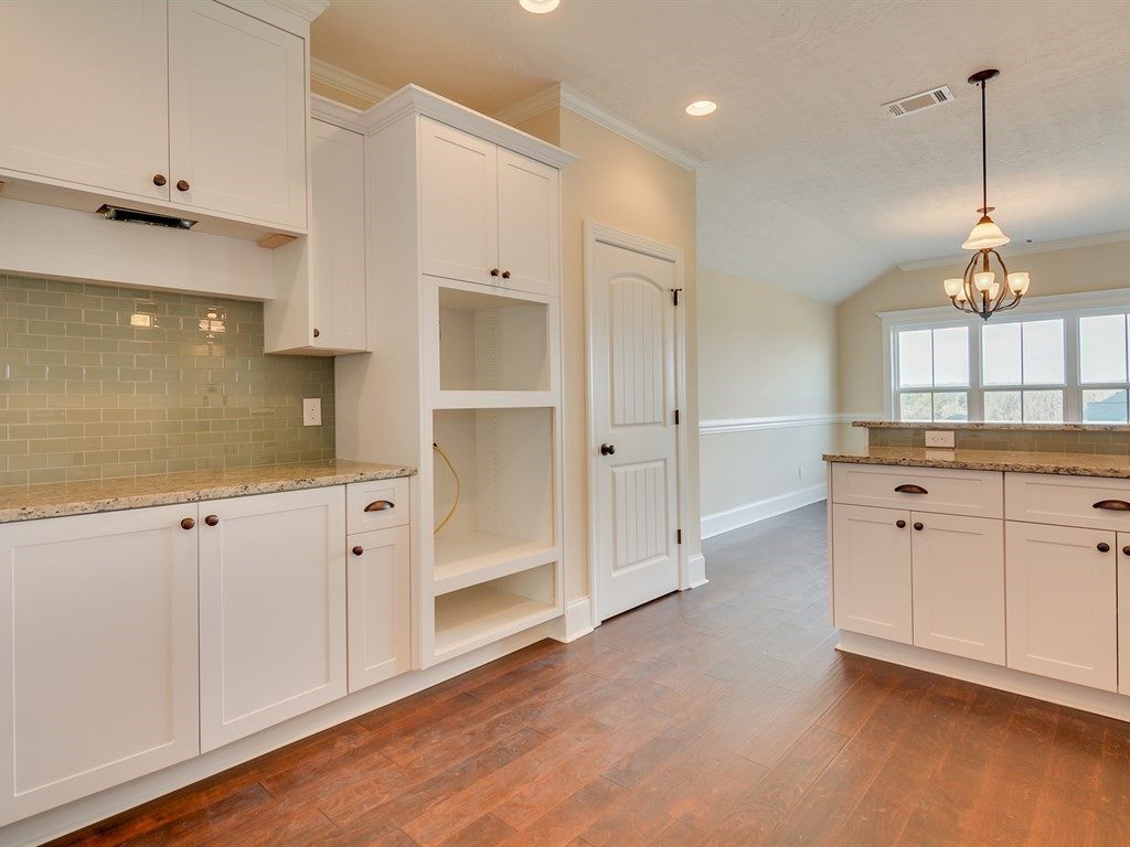 An image of the marble countertop kitchen in Haynes Station.