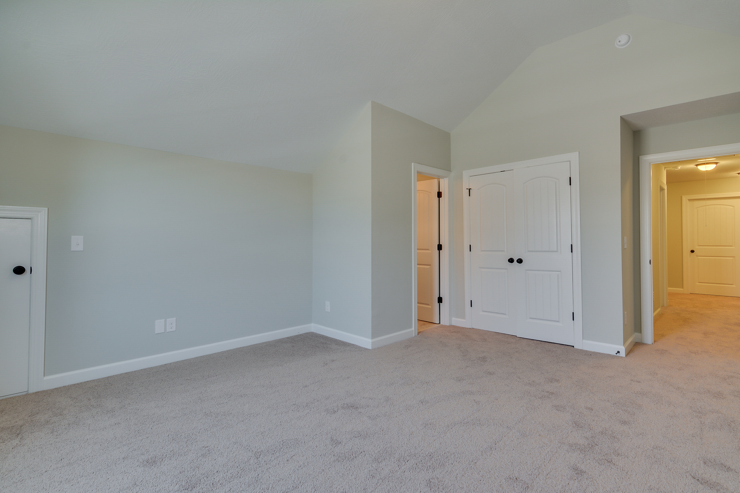 An image of a large room in Bergen Place West.