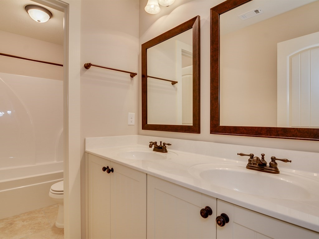 An image of the master bathroom of The Retreat Home.