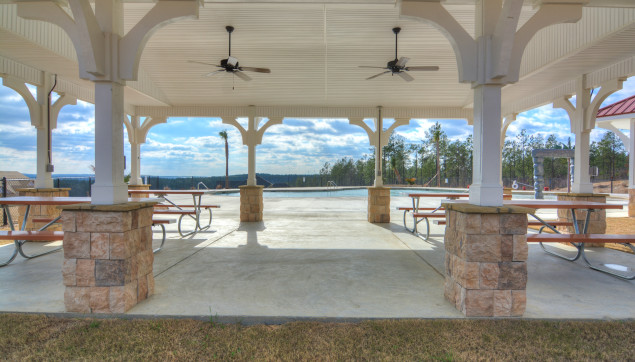 An image of the picnic area by the Greggs mill pool.