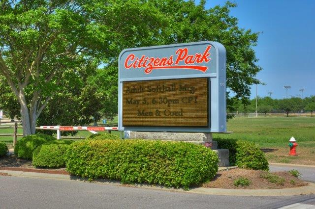 An image of the Citizens Park Sign.