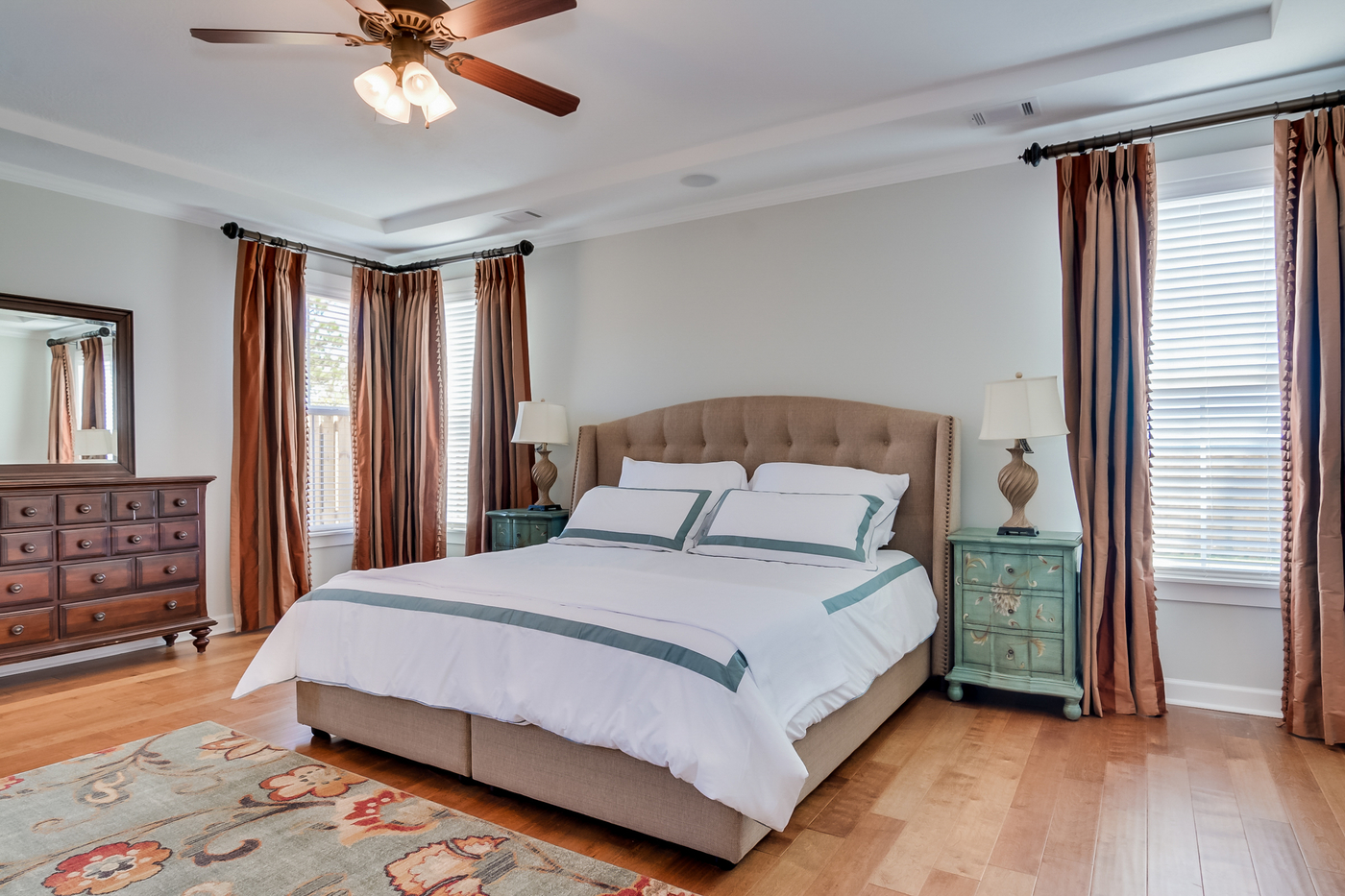 An image of master bedroom in Greggs Mill.