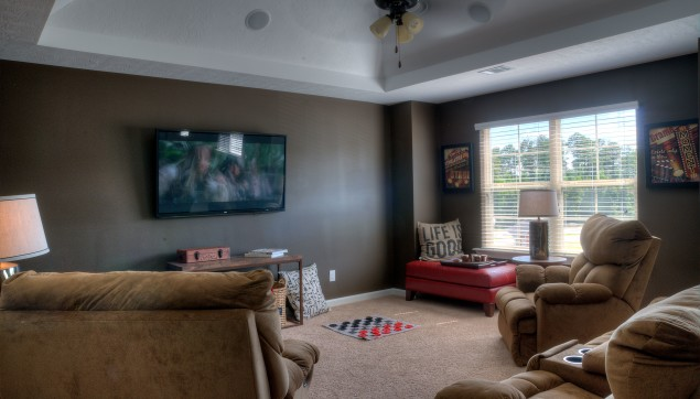 An image of comfy living room in Haynes Station.