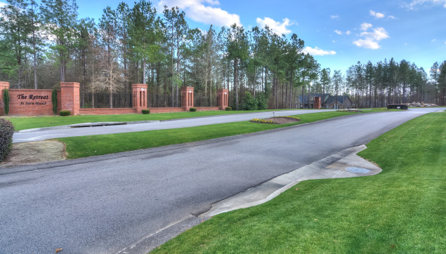 An image the the roadway going into the Retreat at Storm branch.