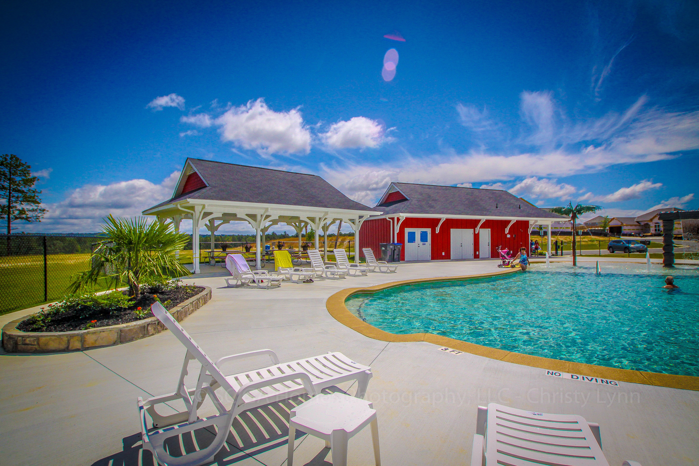 Image of the amenities at Haynes station pool.
