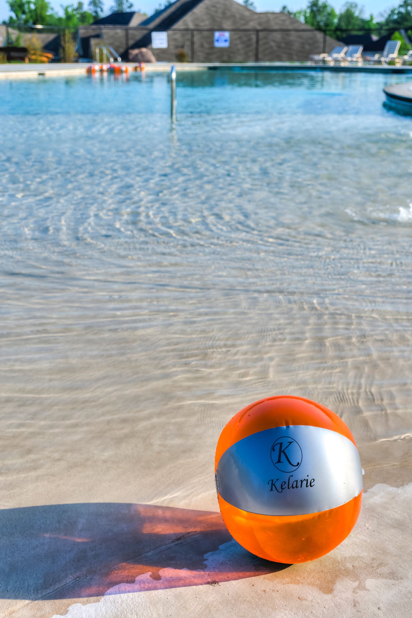An image of a ball in the pool at Kelarie.