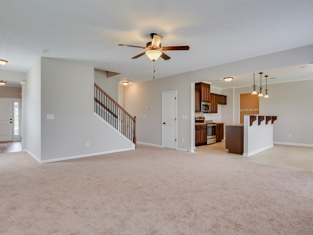 An image of the open floorplan in southhampton home.