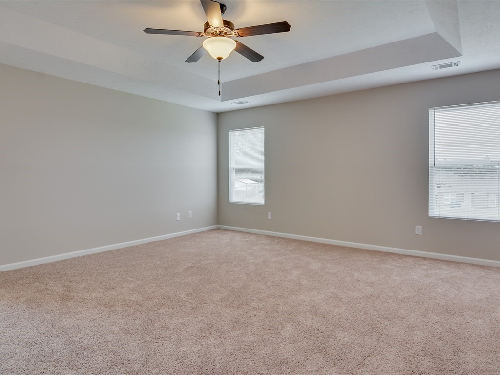 An image of a room with high ceilings in Southhampton.