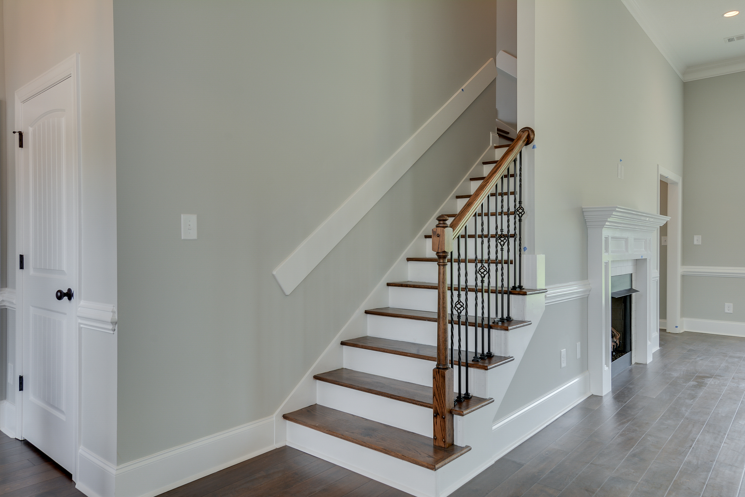 An image of the staircase of a Kelarie home.