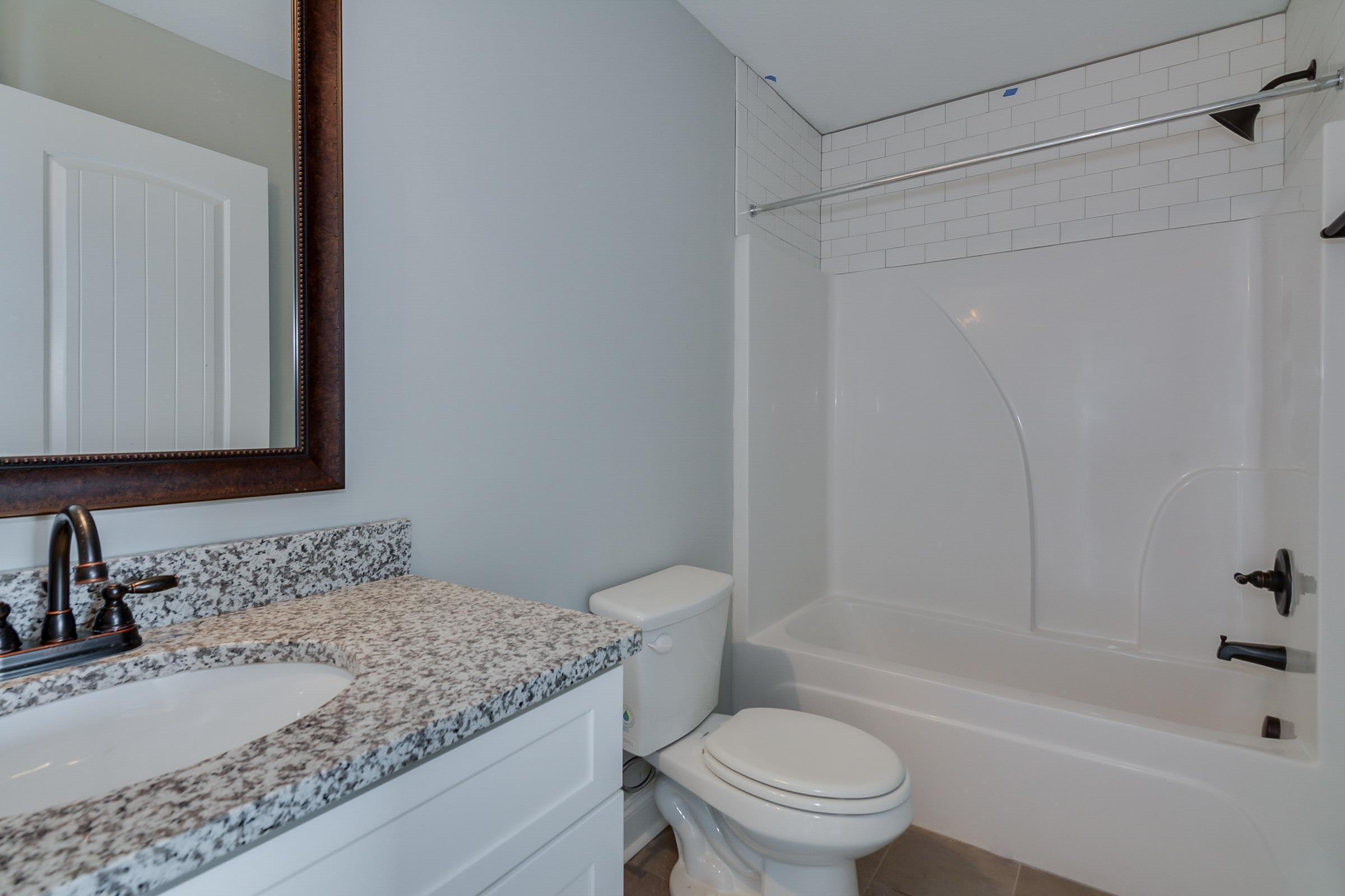 An image of a full bathroom in Kelarie.