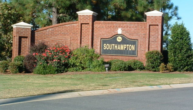 An image of the Southhampton sign in the sunlight.