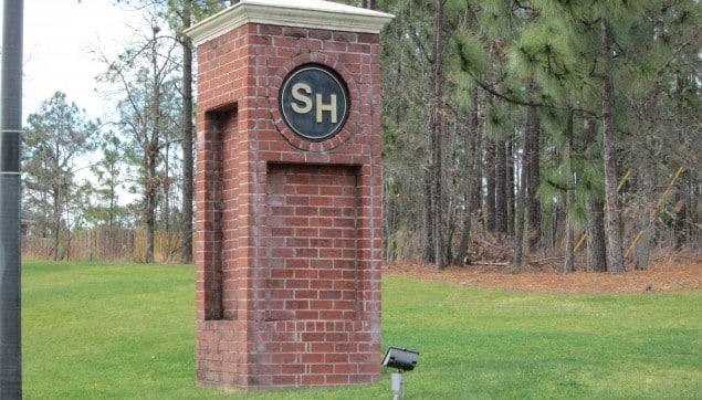 An image of the Southhampton pillar.