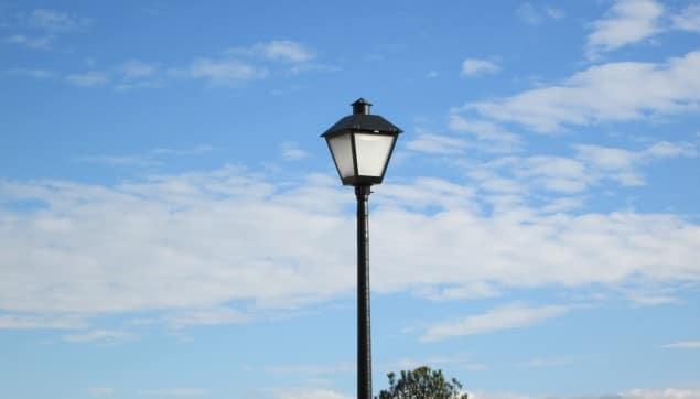 An image of the sidewalk lighting.