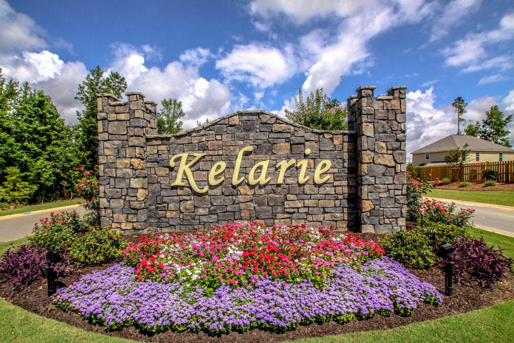 An image of the front entrance of Kelarie neighborhood.